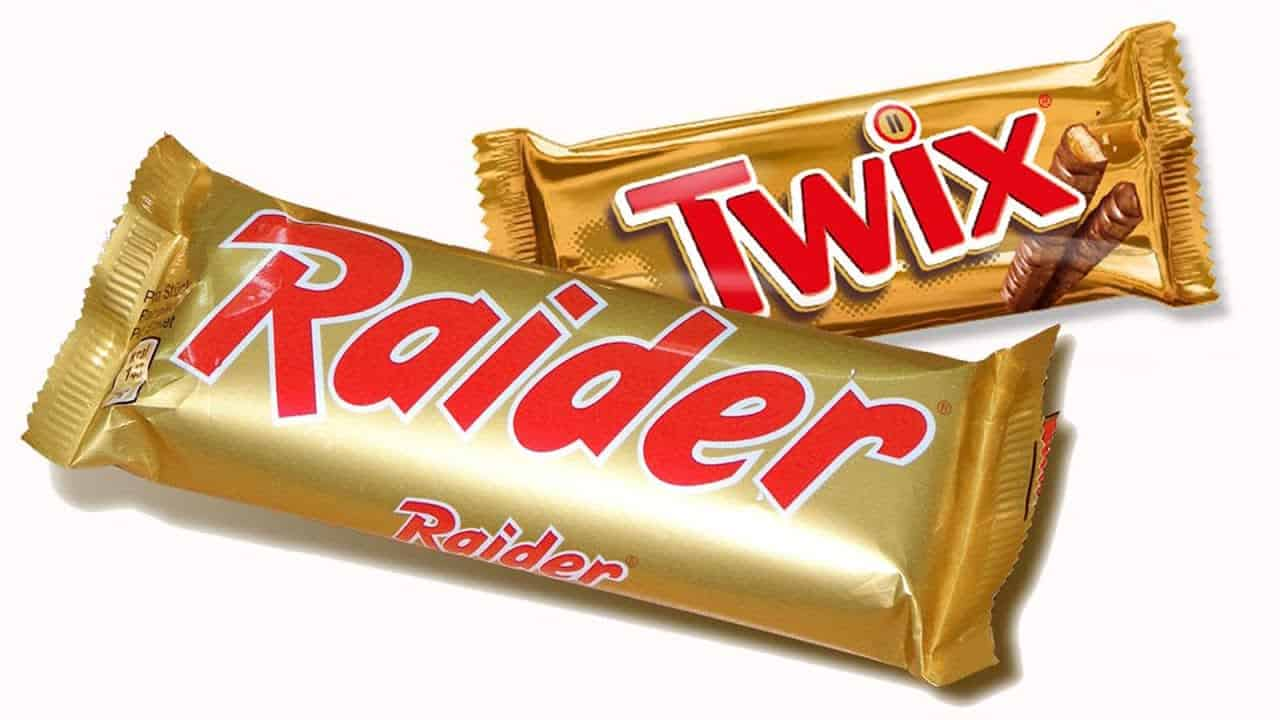 a picture of the Twix and Raider bar on a white background